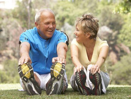 casal idosos exercício desporto 450x338 ok